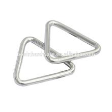 Moda de alta qualidade de metal níquel banhado anel triângulo