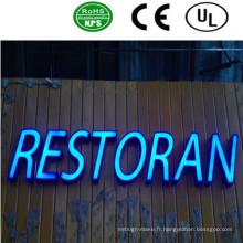 Panneau de signalisation acrylique à canal LED allumé à l'avant