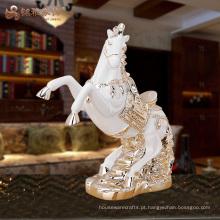 Decoração chinesa feng shui decoração figurinhas de cavalo de resina para o topo da mesa