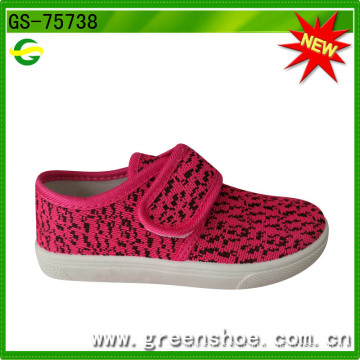 Good Walking Canvas Upper PVC Outsole Injection Girl Shoe