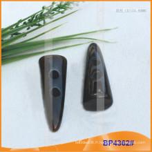 Bouton en polyester / bouton en plastique / bouton en résine pour Coat BP4362
