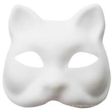 crianças que pintam máscaras de Natal com máscara de festa barata
