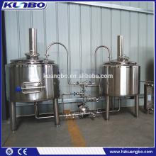 Diferentes volúmenes de equipos de elaboración de cerveza para pub