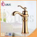 Projetos de luxo misturadores de banheiro de latão torneira de torneira de água quente e fria comercial