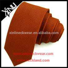 Cravate en polyester tissé jacquard pour homme