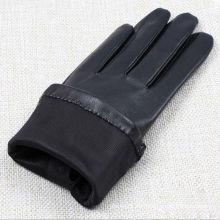 Encantadores guantes de cuero negro con piel de cabra