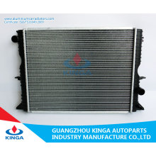 Land Rover Auto Radiator for Defender 2.5td′98 Mt OEM PCC001020 with Hight Performence