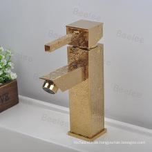 Gold Rilievo Quadratische Form Einhand Badezimmer Wasserhahn Becken Wasserhähne Mixer