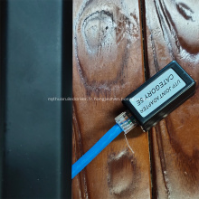 câble adaptateur utp cat5e se connectant au coupleur de ligne