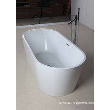 Soaking Tub in White Acrylic