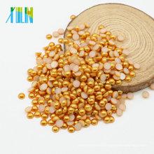 Perlas redondas planas plásticas al por mayor a granel baratas al por mayor de las perlas para el bolso, café Z53-Gold