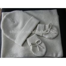 Le cachemire du nouveau-né couvre les couvertures, le chapeau et les gants
