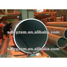 tubo de ferro preto de grande diâmetro