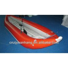 2 personnes en kayak bateaux gonflables