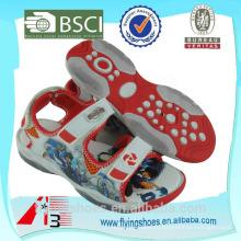 Красочные различные спортивные сандалии обувь с монстром