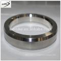 Joint en métal à anneau ovale