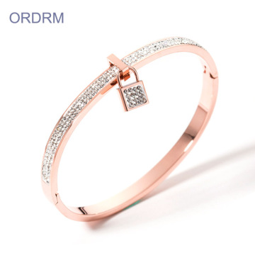 Delikat Rose Gold Lås Charm Crystal Bangle Armband