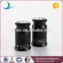 Großhandel einfache Keramik Salz und Pfeffer Flasche mit schwarz glasiert