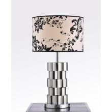 Цветочный абажур Латунная настольная лампа (BT6083)