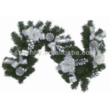 Artificial decorative ivy garland