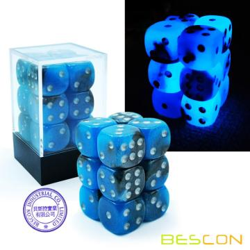 Bescon Two Tone Glowing Dice D6 16mm Set 12pcs BLUE DAWN, 16mm Die Sided Die (12) Bloc de dés rougeoyant