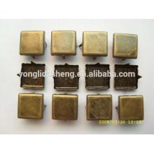 Différents types de perles en métal doré