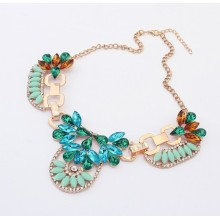 European and American retro exaggerated elegance fashion design bright resin flowers crystal short statement necklace