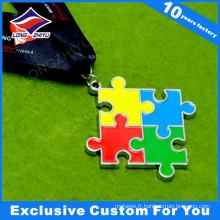 Médaille avec émail de couleur pour les prix du concours de jeux de puzzle