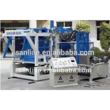 Máquina automática de fabricação / moldagem de blocos de cimento