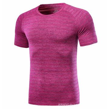 Camisa de jogging color rosa de secado rápido.