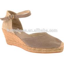 2016 Spring Women Wedge Sandals Close Toe Pompes à talons hauts