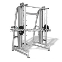 COMMERCIAL FITNESS EQUIPMENT/SMITH MACHINE