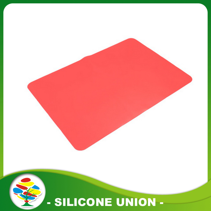 red silicone baby placemat