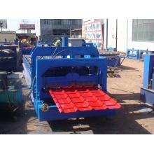 Rodillo de acero del color 840 que forma la máquina