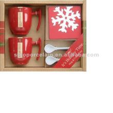 Tasse à café en céramique de Noël avec une cuillère et un coaster