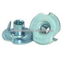 high quality Chinese supplier zinc plated Four claw nut, tee nut
