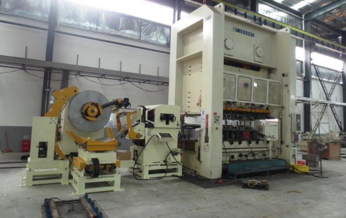 Automatic Stamping Line 3 In 1 Hydraulic Decoiler Straightener Feeder Punching Line