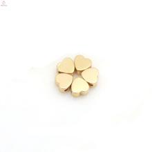 Materiales al por mayor de la joyería de DIY Encantos del corazón del melocotón del amor del oro de plata de Kawaii