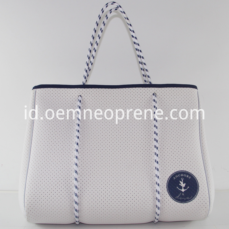 White beach bag