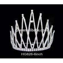 La corona cristalina de la decoración formada corona y la tiara de la tiara que casan el diadema nupcial de la tiara del peine tiara para las bodas