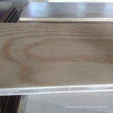 Plancher de bois d'ingénierie de frêne blanc gaufré
