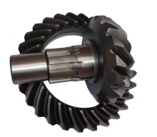 crown &pinion mid axle  with ratio 17-28 Steyr parts