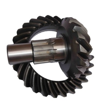 Forging crown wheel and pinion middle axle