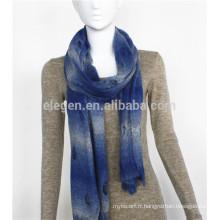 Echarpe en acrylique tricoté