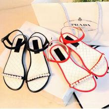 красивые 2016 новые плоские кожаные сандалии для женщин, леди обувь