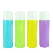 Botella de removedor de esmalte de uñas de diferentes colores