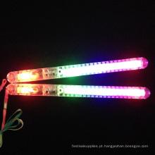 arco-íris de plástico levou vara de brilho