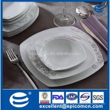 Hueso cuadrado 18pcs China Sopa de cerámica real europea del hogar plato de la suposición de los cuencos