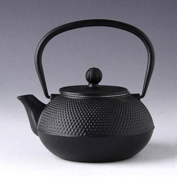 Enamel cast iron kettle