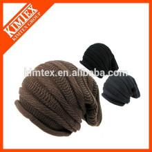 Bonnet acrylique surdimensionné
